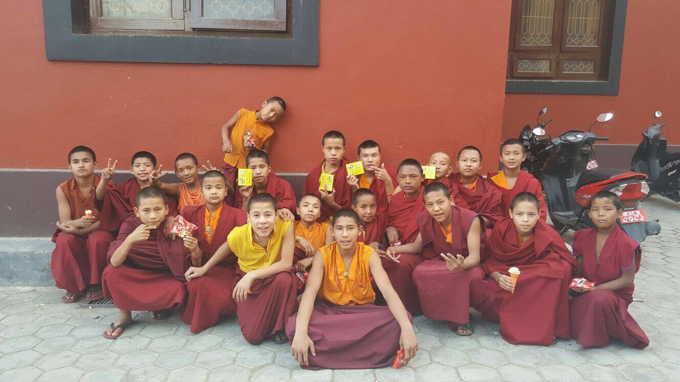 耿乃光物性检测研究中心尼泊尔寺院捐赠